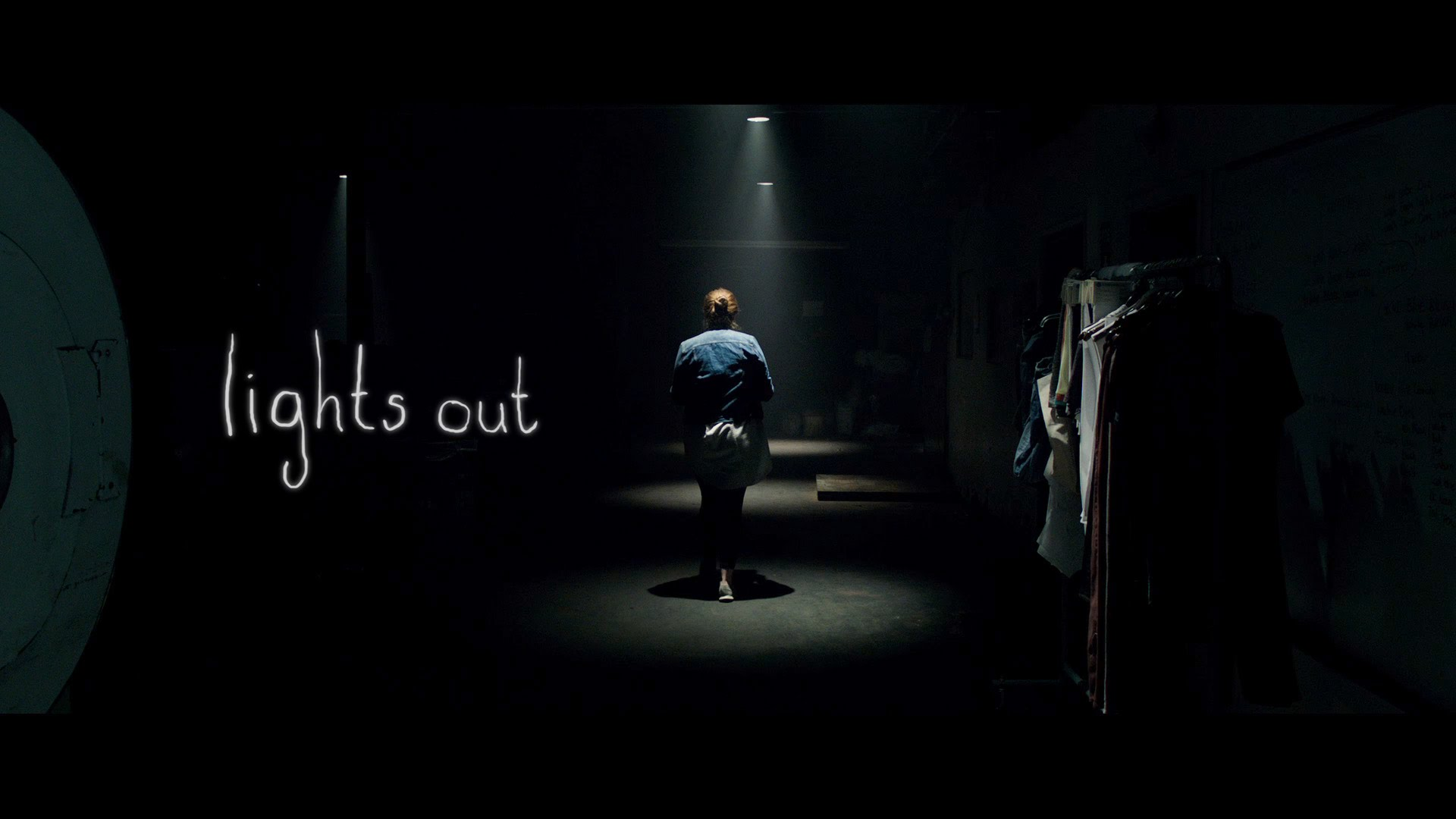 "Sandberg Sparks Hope for Modern Horror: ""Lights Out"" Review"